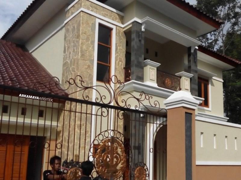 KONTRAKTOR BANGUN RUMAH - Proyek Desain & Pembangunan Rumah Tinggal 2 Lantai - Bpk. Rahmat Purwanto YOGYAKARTA (7)